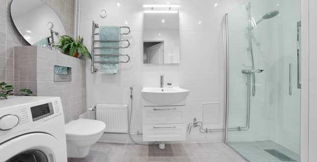 Stambytet - grått och vitt badrum