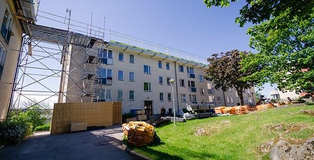 Brf Hållsatra - byggnadsställningar