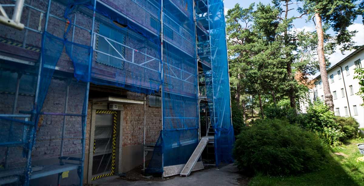 Brf Blåvingen 3 - under renovering - byggställning